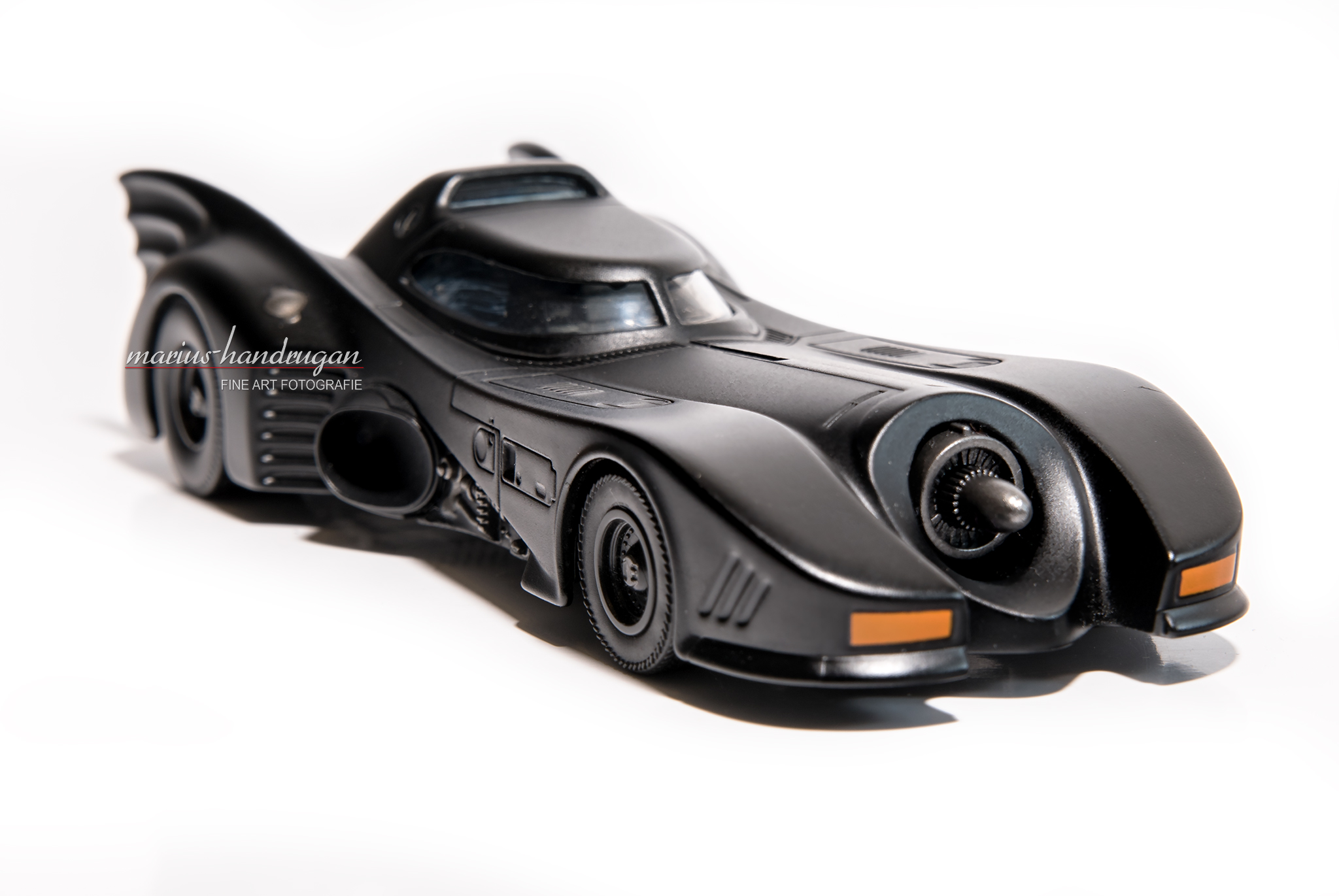 batmobil batman hot wheels matchbox modelauto spielzeug composing nik 0620 marius handrugan. Black Bedroom Furniture Sets. Home Design Ideas