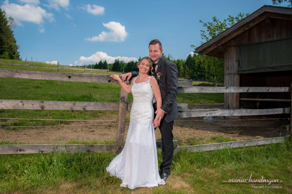 Sommerliche Landhochzeit Alm-Hochzeit